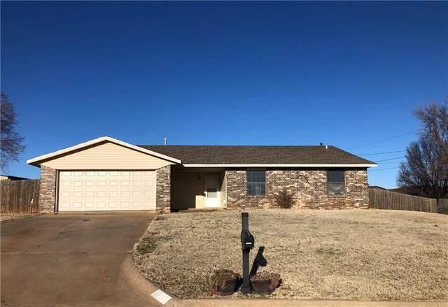 203 Sandy Lane, Elk City, OK 73644 (MLS #899575) :: Homestead & Co