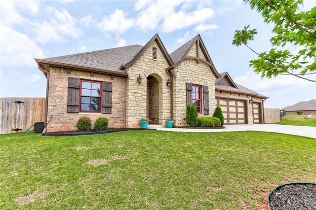 2241 W Earl Drive, Mustang, OK 73064 (MLS #899952) :: The Oklahoma Real Estate Group