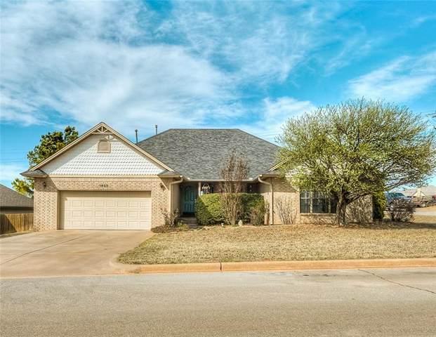 1425 W Chisholm Trail, Weatherford, OK 73096 (MLS #902656) :: Keri Gray Homes