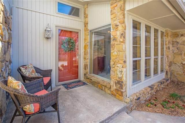 1004 Woodbury Drive, Edmond, OK 73034 (MLS #903169) :: Homestead & Co