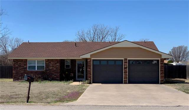 903 S Park Rd, Hobart, OK 73651 (MLS #903266) :: Homestead & Co