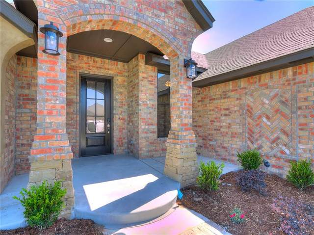 8612 NW 110th Street, Oklahoma City, OK 73162 (MLS #907413) :: Homestead & Co