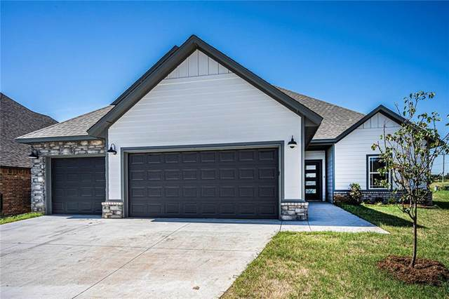 8920 NW 109th Street, Oklahoma City, OK 73162 (MLS #907494) :: Homestead & Co