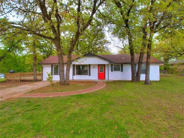 2702 Maple Drive, Harrah, OK 73045 (MLS #907881) :: Homestead & Co