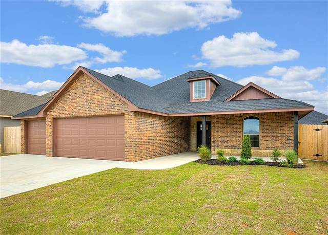 2906 Harvest Drive, Weatherford, OK 73096 (MLS #907929) :: Homestead & Co