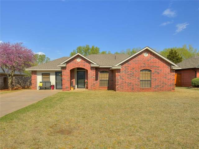 117 Elmwood Avenue, Weatherford, OK 73096 (MLS #908513) :: Homestead & Co