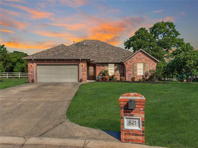 821 White Tail Court, Guthrie, OK 73044 (MLS #911458) :: Homestead & Co