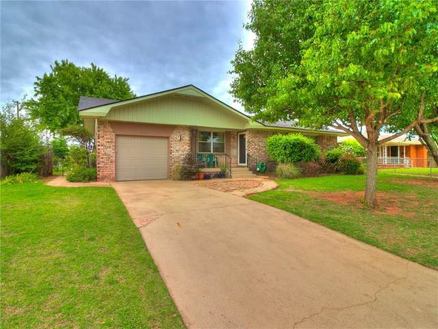 209 Okarche Avenue, Okarche, OK 73762 (MLS #911617) :: Homestead & Co