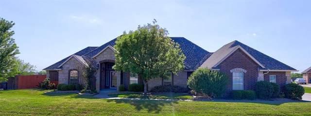 15815 Gossamer Way, Oklahoma City, OK 73165 (MLS #912726) :: Homestead & Co