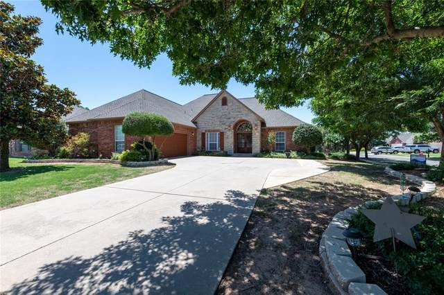 2400 Stonebridge Drive, Norman, OK 73071 (MLS #915330) :: Homestead & Co