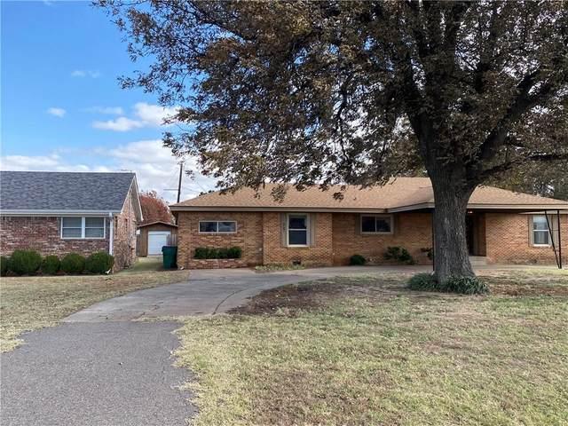 1916 N Louis Tittle Avenue, Mangum, OK 73554 (MLS #918513) :: Homestead & Co