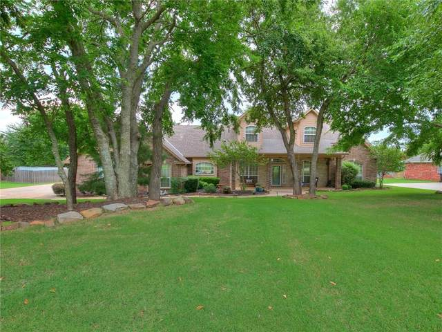 200 N Wyndemere Lakes Drive, Moore, OK 73160 (MLS #919463) :: Homestead & Co