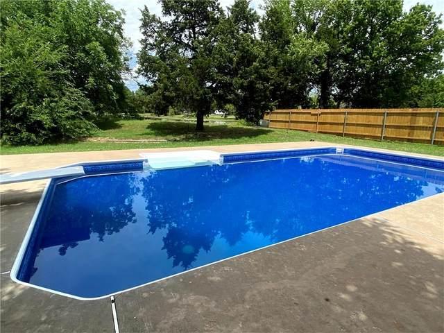 2015 W Cedar Ridge, Mustang, OK 73064 (MLS #919470) :: Homestead & Co