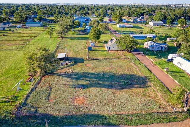 1119 S Boone Avenue, Elk City, OK 73644 (MLS #921933) :: Homestead & Co