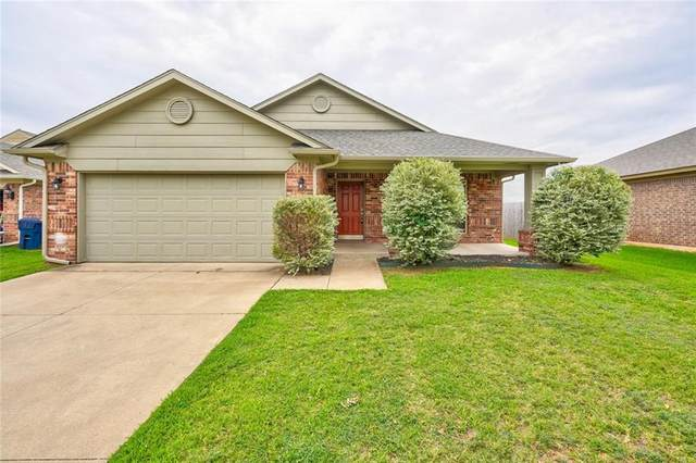 13336 SW 2nd Street, Yukon, OK 73099 (MLS #922232) :: Homestead & Co
