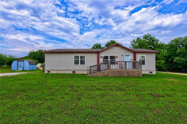 102 Kingfisher Lane, Shawnee, OK 74804 (MLS #922914) :: Erhardt Group at Keller Williams Mulinix OKC