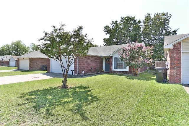 932 NW 15th Street, Moore, OK 73160 (MLS #926740) :: The Oklahoma Real Estate Group