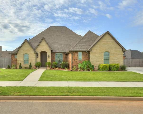 804 Cornerstone Avenue, Weatherford, OK 73096 (MLS #927639) :: The UB Home Team at Whittington Realty