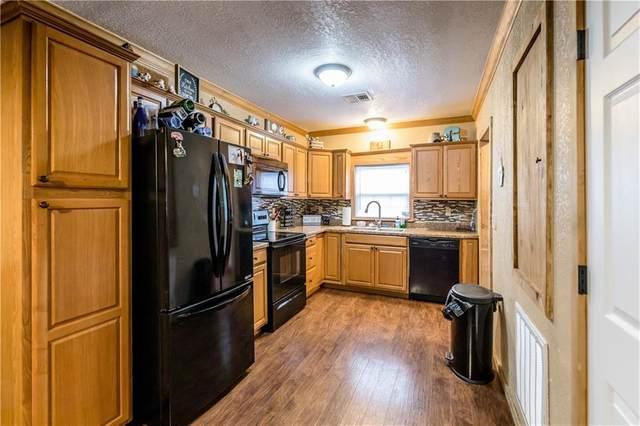 417 W 7th Street, Elk City, OK 73644 (MLS #927957) :: Homestead & Co