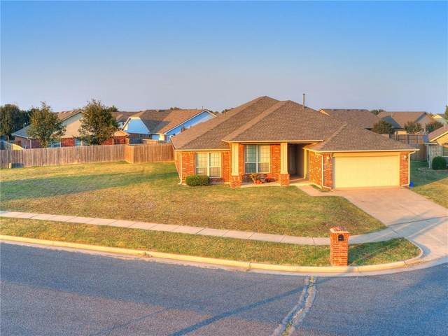 3320 N Brighton Place, Yukon, OK 73099 (MLS #930058) :: Homestead & Co