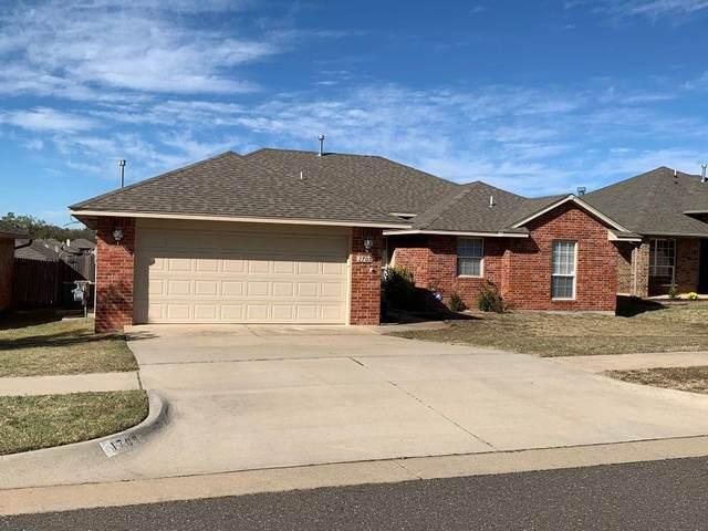 1705 January Place, Moore, OK 73160 (MLS #932647) :: Homestead & Co