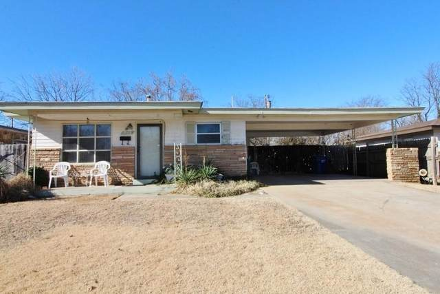 913 Spurr Street, Seminole, OK 74868 (MLS #937010) :: Homestead & Co