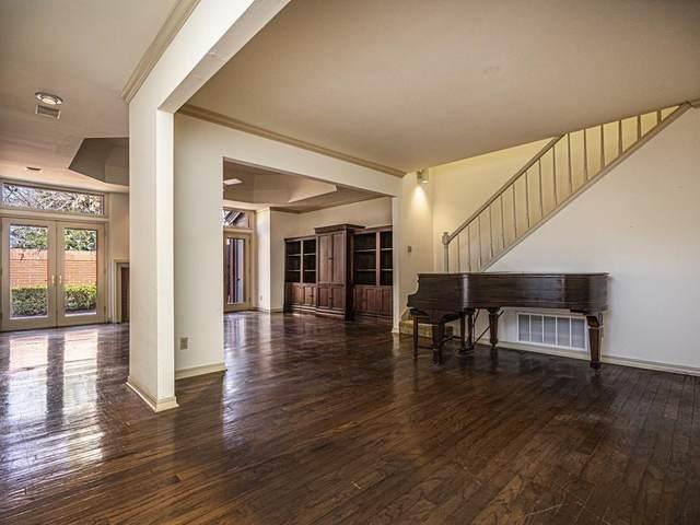 2825 NW Grand Boulevard #21, Oklahoma City, OK 73116 (MLS #937315) :: The UB Home Team at Whittington Realty