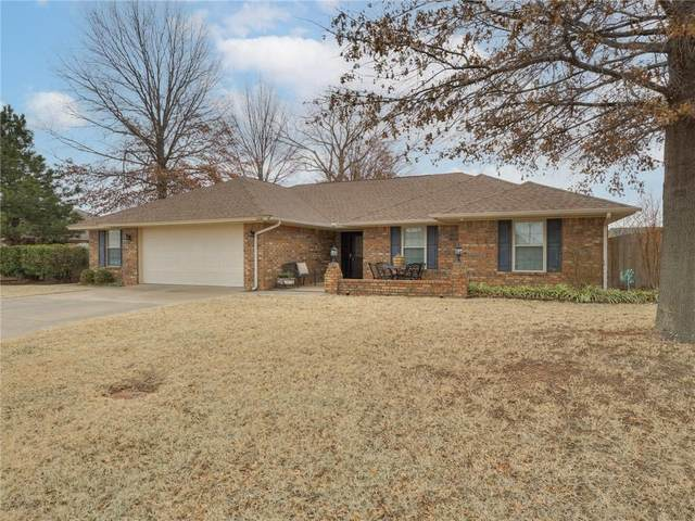 2220 Berry Street, Weatherford, OK 73096 (MLS #940963) :: The UB Home Team at Whittington Realty