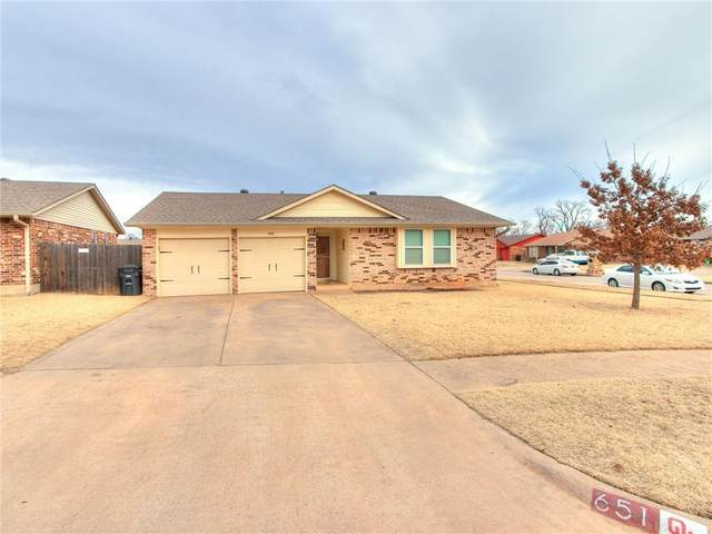 651 SW 11th Street, Moore, OK 73160 (MLS #942048) :: The UB Home Team at Whittington Realty