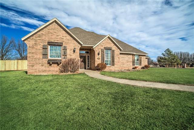 2330 Skyview Circle, Enid, OK 73703 (MLS #944312) :: ClearPoint Realty