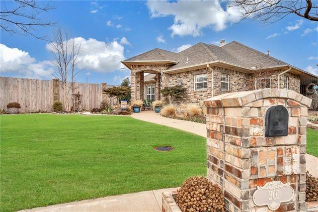 301 Tiera Rica Circle, Altus, OK 73521 (MLS #944689) :: Erhardt Group at Keller Williams Mulinix OKC