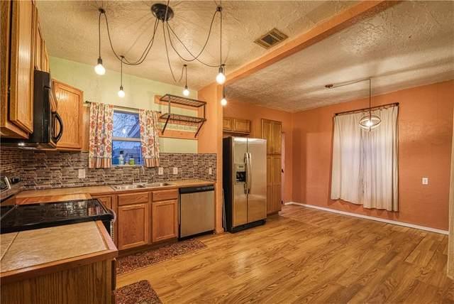 1107 W A Avenue, Elk City, OK 73644 (MLS #949034) :: Homestead & Co