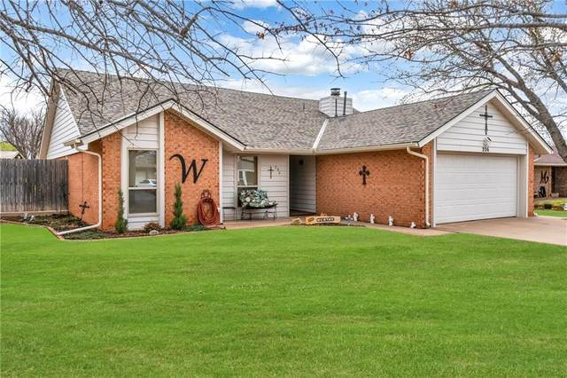 206 Sycamore Avenue, Elk City, OK 73644 (MLS #950744) :: Homestead & Co