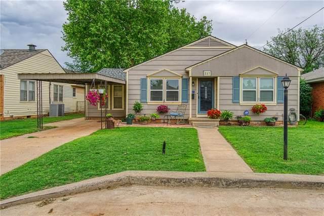 217 Hayden Boulevard, Elk City, OK 73644 (MLS #959507) :: Homestead & Co