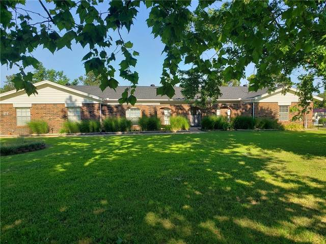 27 Willowbrook, Shawnee, OK 74804 (MLS #963241) :: Erhardt Group at Keller Williams Mulinix OKC