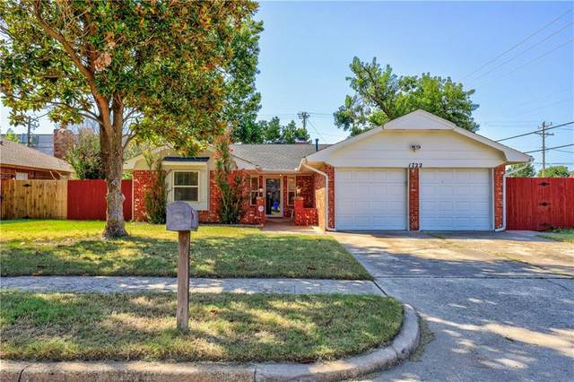 1722 Lancaster Circle, Norman, OK 73069 (MLS #974692) :: Sold by Shanna- 525 Realty Group