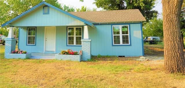 17 Cedar Street, Perry, OK 73077 (MLS #975228) :: Erhardt Group