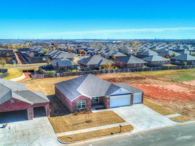 8801 SW 46th Street, Oklahoma City, OK 73179 (MLS #802853) :: Wyatt Poindexter Group