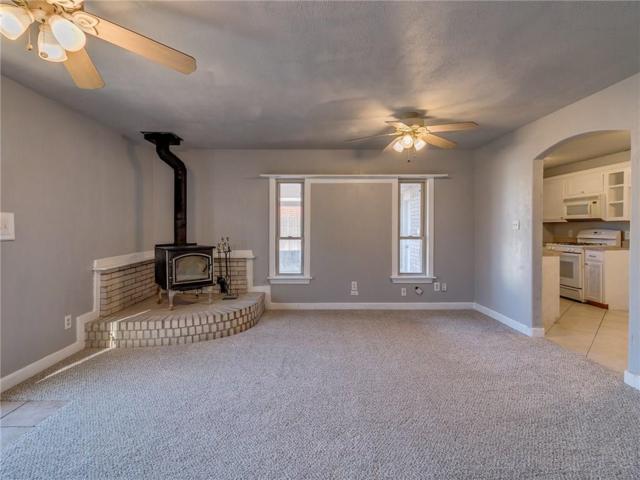 844 NW 15th Street, Moore, OK 73160 (MLS #804830) :: Wyatt Poindexter Group