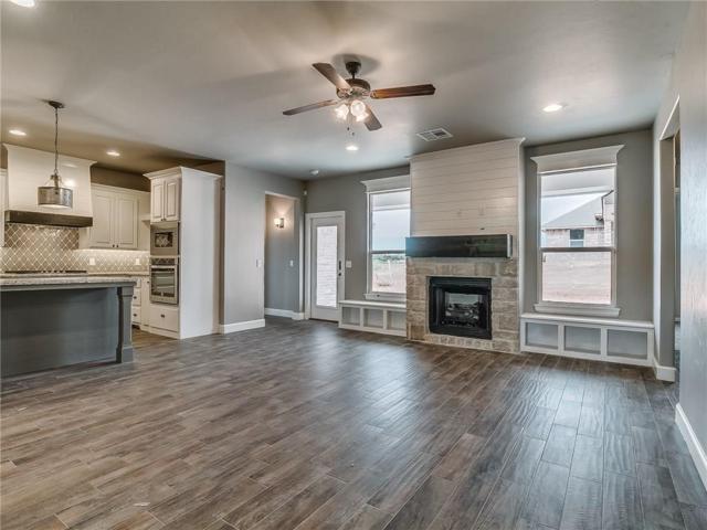 2713 Pebble Creek Street, Moore, OK 73160 (MLS #831765) :: KING Real Estate Group