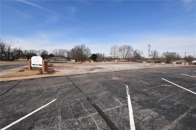 1804 W Logan Avenue, Guthrie, OK 73044 (MLS #854358) :: Homestead & Co