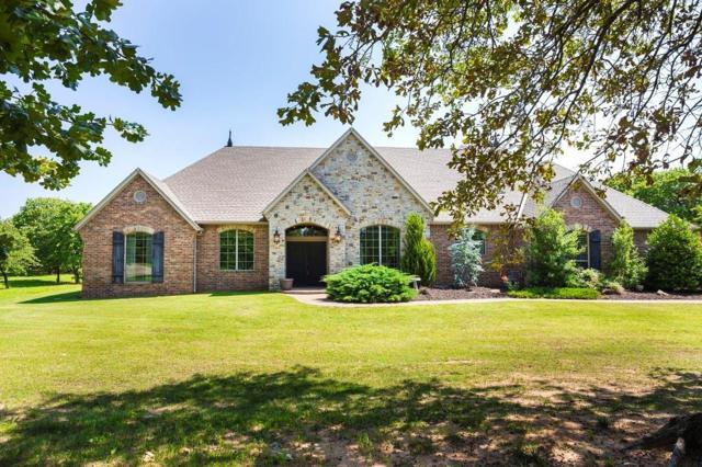601 Daniel Lee Drive, Choctaw, OK 73020 (MLS #862528) :: Homestead & Co