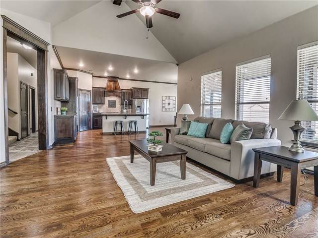 19220 Greenery Lane, Edmond, OK 73012 (MLS #886797) :: Homestead & Co