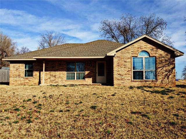 504 S Arkansas Avenue, Chickasha, OK 73018 (MLS #888635) :: Homestead & Co