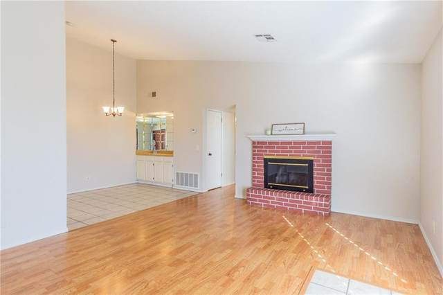 3003 River Oaks Drive #221, Norman, OK 73072 (MLS #892199) :: Keri Gray Homes