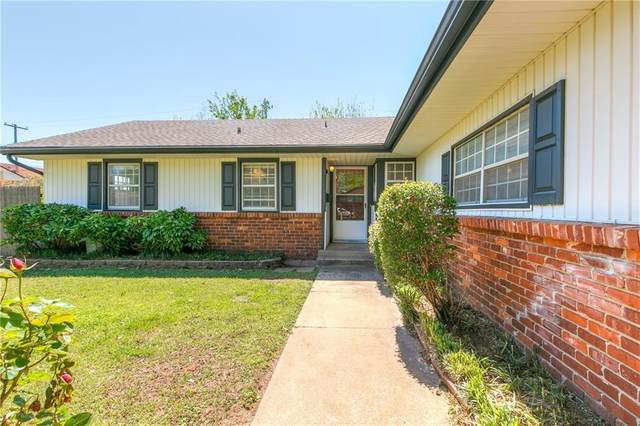 2828 Chaucer Drive, Oklahoma City, OK 73120 (MLS #906272) :: Homestead & Co