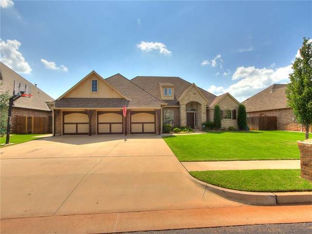 19821 Crest Ridge Drive, Edmond, OK 73012 (MLS #912494) :: Homestead & Co