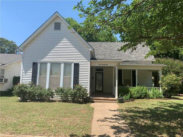 421 W Jefferson Street, Mangum, OK 73554 (MLS #914844) :: Keri Gray Homes