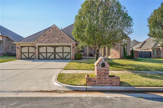 19413 Chestermere Circle, Edmond, OK 73012 (MLS #927030) :: Erhardt Group at Keller Williams Mulinix OKC