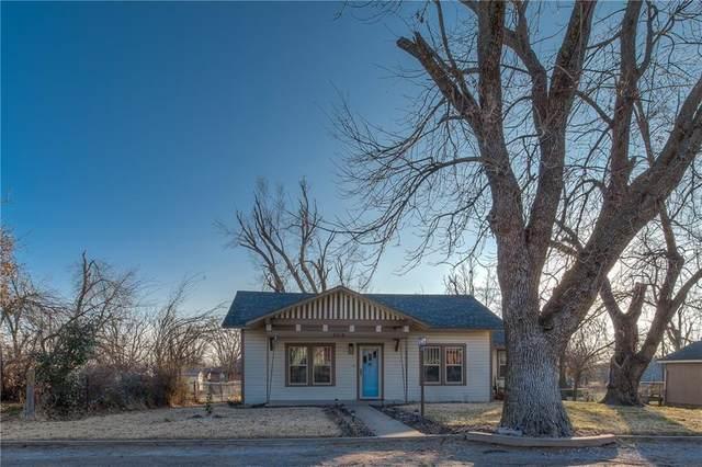 404 SW 2nd Street, Tuttle, OK 73089 (MLS #938705) :: Maven Real Estate